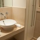 Discovery Dock East Serviced Apartment -  Plush Bathroom