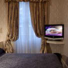 Leonard Serviced Classic Two bedroom - Cosy bedroom