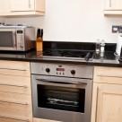 140 Minories Serviced Apartment - Fully equipped modern kitchen
