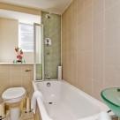 Roland House Short Let Bathroom