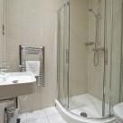 Serviced 2 Bedrooms in Tower Bridge - Bathroom