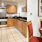 Stratford Serviced 2 Bedroom Apartments - Fully equipped kitchen