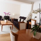 Monarch House Serviced 2 Bedroom - Airy Lounge