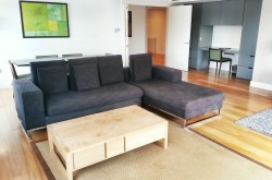 Monarch House Serviced 3 Bedroom - Light and airy Lounge