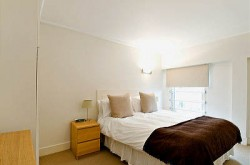 Albert Street Serviced 1 Bedroom Apartment - Tranquil