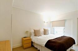 Albert Street Serviced 1 Bedroom Apartment - Tranquil