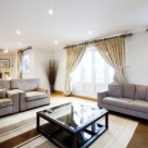 Chesham Knightsbridge Serviced 3 Bedroom Penthouse - Light and Airy Lounge