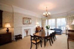 Mansions Kensington 3 Bedroom - Dining room