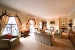 Mansions Kensington 4 bedroom - Lounge