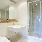 Webber Street Serviced Apartment - Bathroom