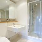 Webber Street Serviced Apartment - Bathroom