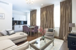 Claverley Court Deluxe 2 Bedroom - in the heart of Knightsbridge