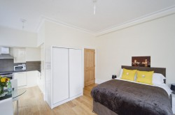 St Martins Court Covent Garden Serviced Apartments - Bed