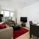 Dickens Yard Ealing Serviced 2 Bedroom - Contemporary decor