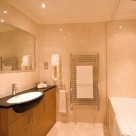 Curzon Street 2 Bedroom Apartments - Bathroom