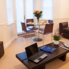Richmond Manning 1 Bedroom Serviced Apartments - Contemporary Lounge