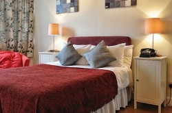 Chelsea Cloisters Serviced Two bedroom Apartments - Modern Bedroom