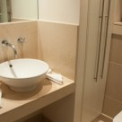 Discovery Dock East Serviced Apartment - Plush bathroom