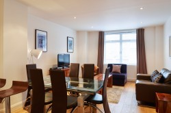 Vauxhall 2 bedroom serviced apartment - Dining table and chairs