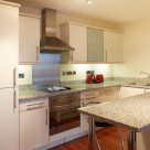 Waterloo Serviced 2 Bedroom Apartment - kitchen