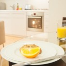 Brushfields Serviced Apartments - Contemporary fully equipped kitchen