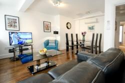 48 Bishopsgate 1 Bedroom - Bright and Light Lounge