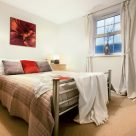 Stephenson Court Newbury - bedroom for chilling out