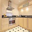 Barkham Mews Reading - Fully equipped kitchen