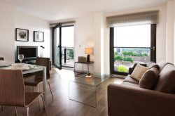 Mosaic Slough Apartment - Stunning open plan lounge